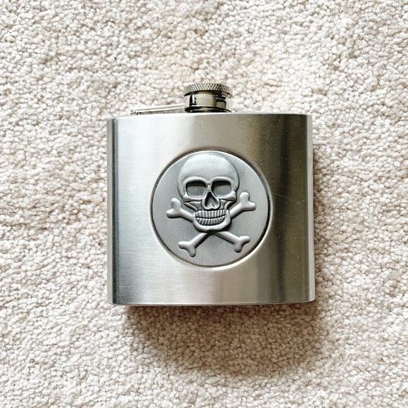 Vintage Other - Vintage stainless steel skull flask (5 oz)